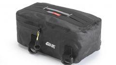 Givi GRT707: la borsetta porta attrezzi può essere fissata alla sella o al parafango anteriore