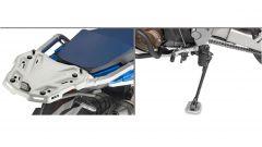 Givi, il portapacchi in alluminio e l'accessorio per il cavalletto della Honda Africa Twin 1100 Adventure Sport 2020