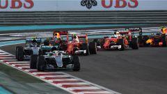 Gli attimi dopo la partenza - F1 GP Abu Dhabi