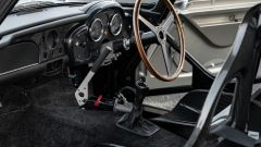 Gli interni della Aston Martin DB5