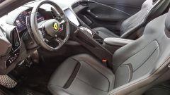 Gli interni della Ferrari Roma oggetto della nostra prova