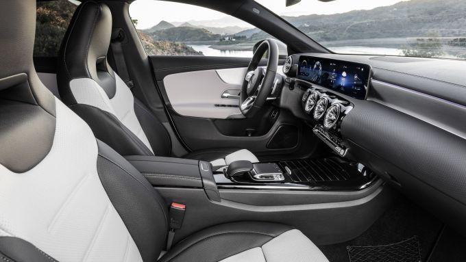 Gli interni della Mercedes CLA Shooting Brake