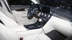 Gli interni della Mercedes GLC restyling sono ricchi come sempre, con pelle pregiata praticamente ovunque