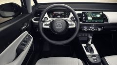 Gli interni della nuova Honda Jazz vedono il ritorno di tasti e manovelle