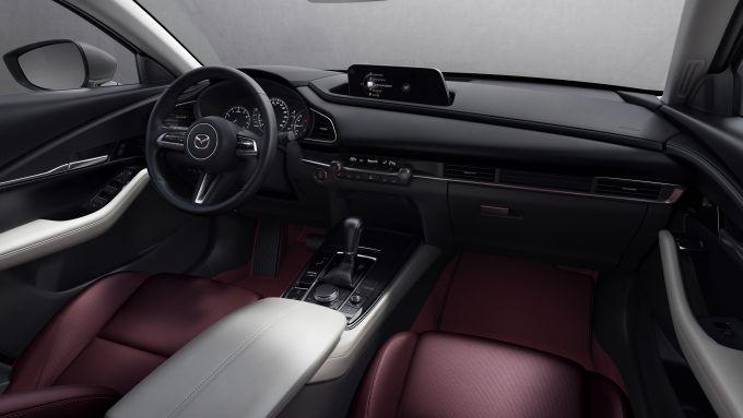 Gli interni di Mazda CX-30 2021 100th Anniversary