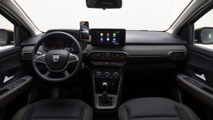 Gli interni di nuova Dacia Sandero Stepway