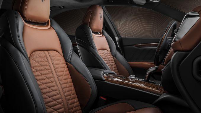 Gli interni in pelle bicolore di Maserati Royale