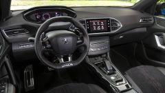 Gli interni - ora più tecnologici - della Peugeot 308 Station Wagon 2021