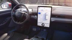 Gli interni tecnologici del Ford Mustang Mach-E