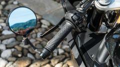Gli specchietti della MV Agusta Superveloce 800