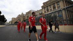 Gli uomini della Ferrari esaminano il Circuito di Baku - F1 2017