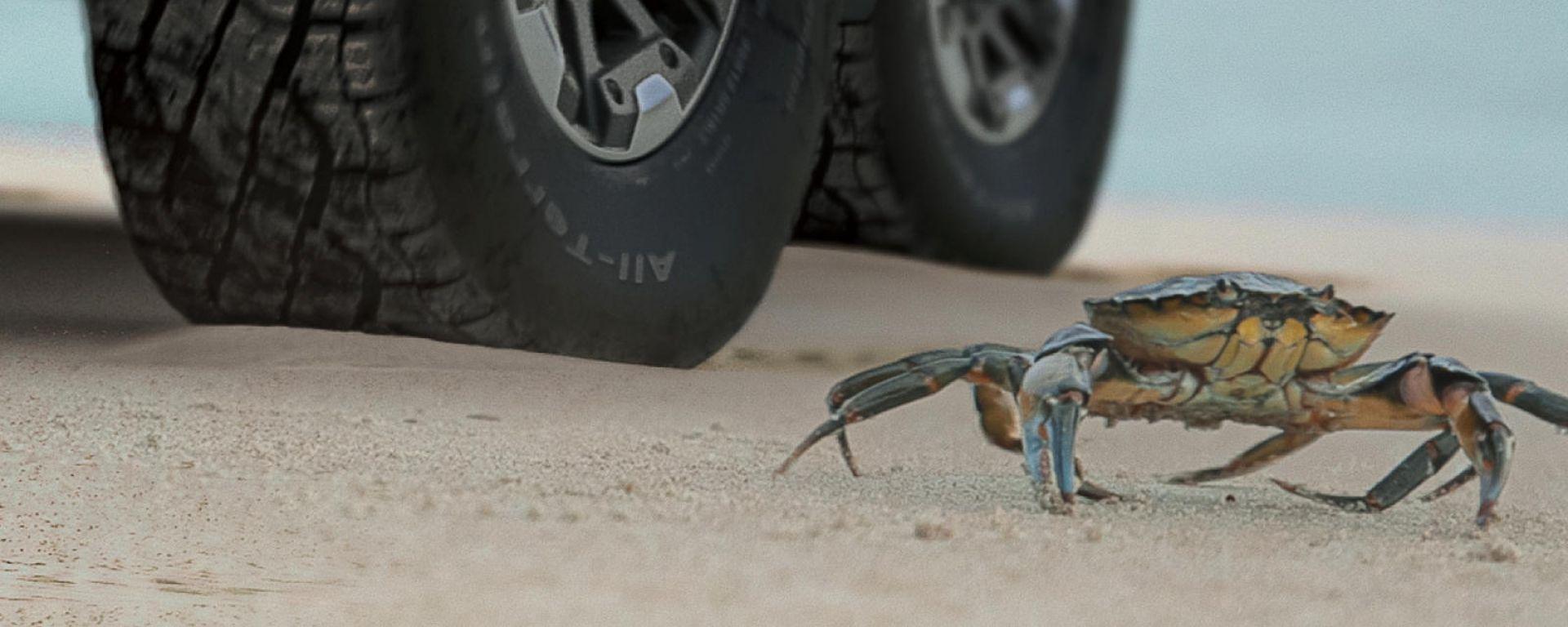 Nuovo Hummer EV, la mossa segreta è il passo del granchio [VIDEO]