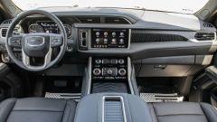 GMC Yukon Denali XL: gli interni