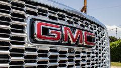 GMC Yukon Denali XL: l'enorme griglia frontale