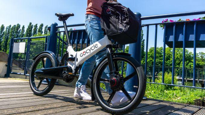 Gocycle GX 2020 con portaborse