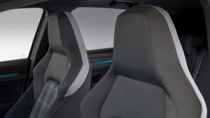Golf GTD 2020: i sedili sportivi con poggiatesta integrati