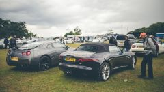 Goodwood 2016: Jaguar F-Type e Nissan GT-R