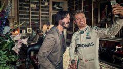 Goodwood 2016: Kanu Reeves e Nico Rosberg si fanno un selfie