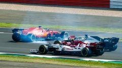 GP 70° Anniversario F1, Silverstone: il testacoda di Sebastian Vettel (Scuderia Ferrari) al via