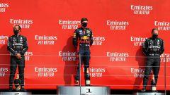 GP 70° Anniversario, il podio di Silverstone: Verstappen (Red Bull), Hamilton e Bottas (Mercedes)