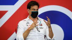 Dissapori Daimler-Toto Wolff, ha troppe attività in F1
