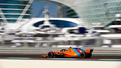GP Abu Dhabi 2018, FP1, Alonso in azione con la McLaren personalizzata per il suo ultimo GP