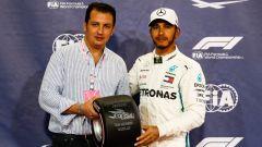GP Abu Dhabi 2018, qualifiche: Lewis Hamilton premiato dalla Pirelli per la pole