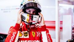 GP Abu Dhabi 2018, qualifiche: Sebastian Vettel nel box della Ferrari