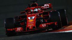 GP Abu Dhabi, FP2, Sebastian Vettel in azione con la Ferrari