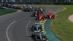 GP Australia 2019 - Il gruppo alla prima curva