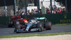 GP Australia 2019 - Lewis Hamilton (Mercedes) precede Sebastian Vettel (Ferrari)