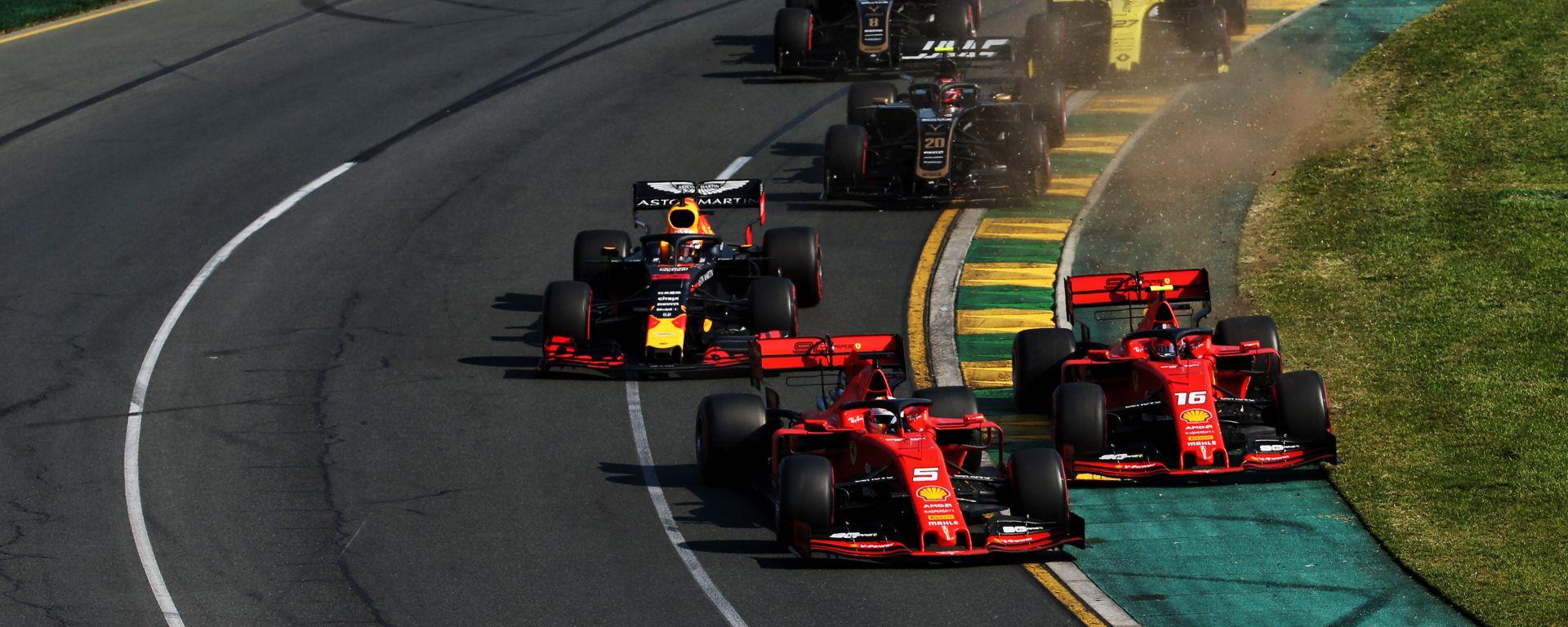 GP Australia 2019, Melbourne: Leclerc e Vettel (Ferrari) si danno battaglia alla seconda curva