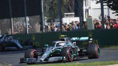 GP Australia 2019, Valtteri Bottas (Mercedes) seguito da Lewis Hamilton