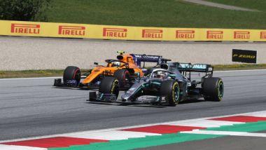 GP Austria 2019, Lando Norris (McLaren) e Lewis Hamilton (Mercedes)