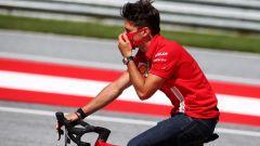 GP Austria 2020, Spielberg: Charles Leclerc ispeziona la pista in bicicletta