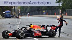 GP Azerbaijan: incidente Verstappen, addio vittoria - VIDEO