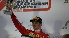 GP Bahrain 2019, Charles Leclerc sul podio con la coppa del terzo posto