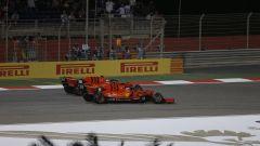 GP Bahrain 2019, il sorpasso di Charles Leclerc ai danni di Sebastian Vettel