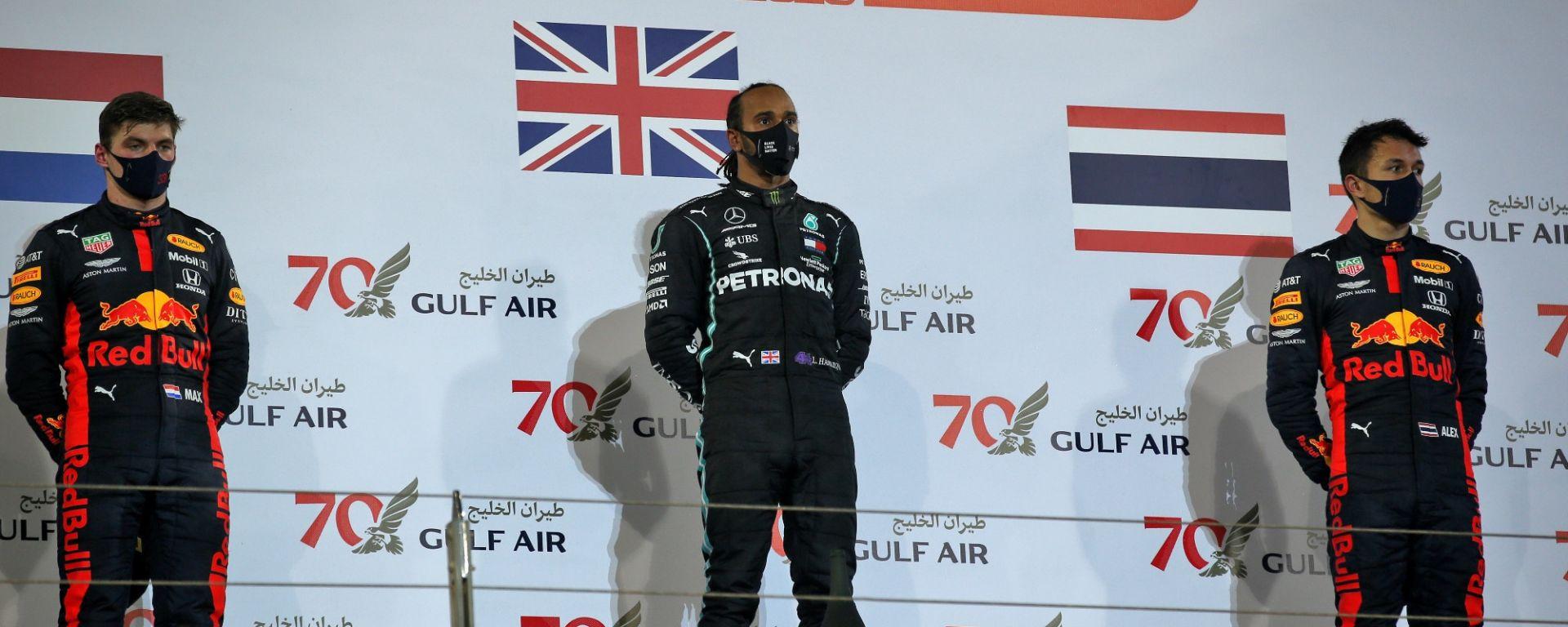 GP Bahrain 2020, Sakhir: podio Lewis Hamilton (Mercedes), Max Verstappen (Red Bull), Alex Albon