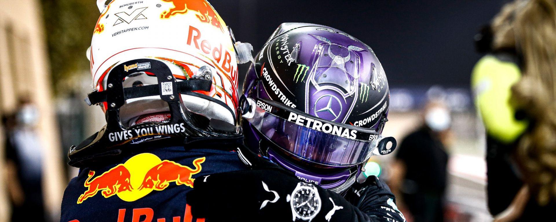 GP Bahrain 2021, Hamilton (Mercedes) e Verstappen (Red Bull)