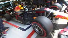 GP Belgio 2018, Daniel Ricciardo esce dai box nelle FP1 con la sua Red Bull