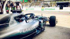 GP Brasile 2018, Valtteri Bottas esce dal box Mercedes