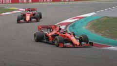GP Cina 2019, Charles Leclerc precede Sebastian Vettel in una fase di gara