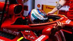 GP Giappone 2018, Qualifiche Suzuka, Kimi Raikkonen nei box con la sua Ferrari