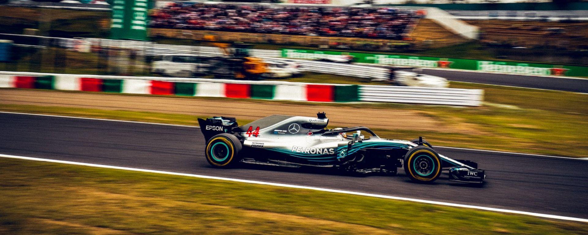 GP Giappone 2018, Qualifiche Suzuka, Lewis Hamilton in azione con la sua Mercedes