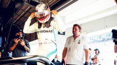 GP Giappone 2018, Qualifiche Suzuka, Lewis Hamilton nei box della Mercedes