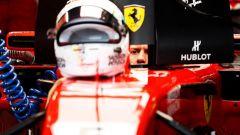 GP Giappone 2018, Sebastian Vettel  ai box con la sua Ferrari