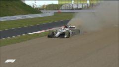 GP Giappone 2018, Suzuka, Charles Leclerc rompe e finisce fuori pista con la sua Sauber