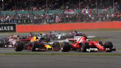 GP Gran Bretagna 2018, prime fasi di gara, Max Verstappen (Red Bull) e Kimi Raikkonen (Ferrari)