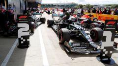 GP Gran Bretagna 2020, Silverstone: le auto di Hamilton, Bottas (Mercedes) e Verstappen (Red Bull)